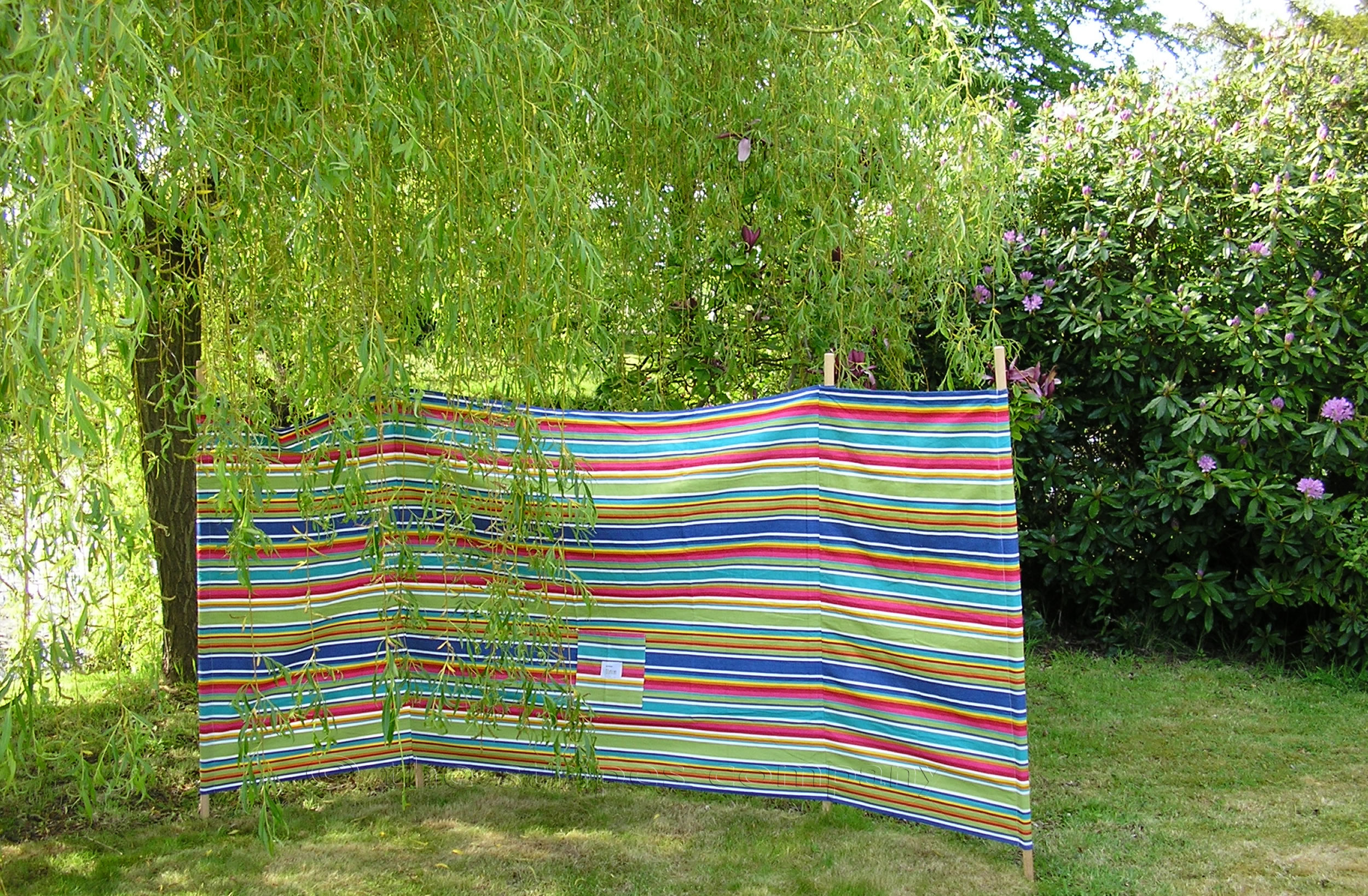Colourful Striped Windbreak with 4 poles - Climbing